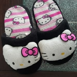Adorable Hello Kitty Comfy Slippers